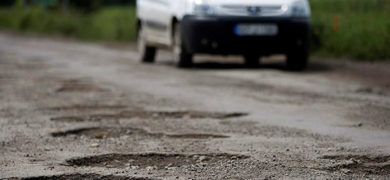 Van egy dolog, amit nem tehet meg a közút fenntartója az autósokkal