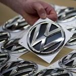 700 000 autót hív vissza a Volkswagen