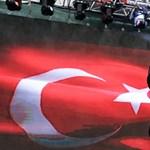 Harcias fizikatanárt indít a török ellenzék Erdogan ellen