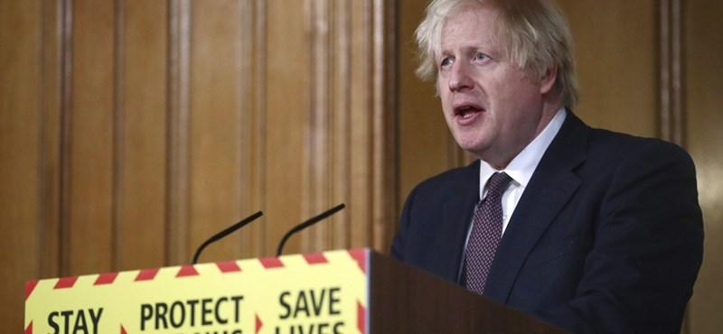 Felkerült India a brit kormány beutazási tilalmi listájára