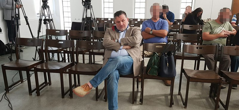 Bíróság előtt Lagzi Lajcsi, a vád a közműszolgáltatók megkárosítása