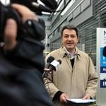 Kordonokkal próbálják elszigetelni az éhségsztrájkolókat a tévé előtt