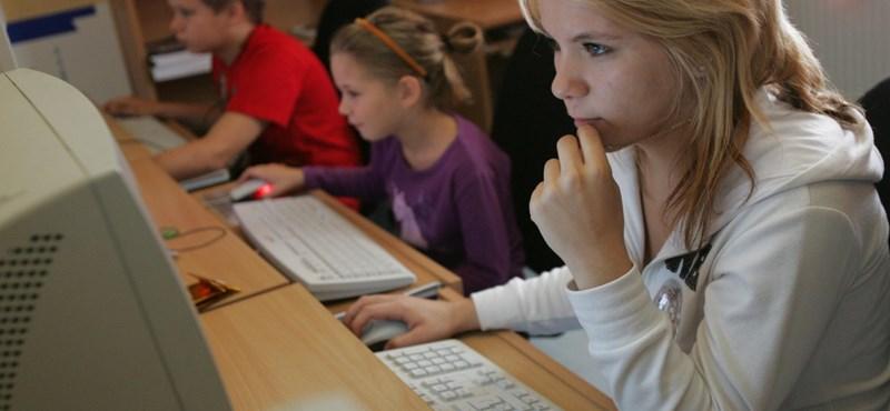 Rendben megkezdődött az informatikaérettségi - délután jön a latin és a héber