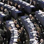 Gyakornoki program havi 1200 euró fizetéssel az EP-nél