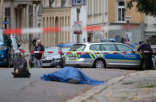 afp.19.10.09. holttest, hallei lövöldözés, rendőrök, zsinagóga