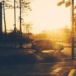 Tűző napon parkoló autóból kellett kimenteni egy 14 éves lányt Nyíregyházán