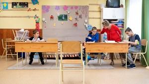 Rétvári Bence: a napokban megérkeznek a magasabb tanári fizetések