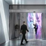 Az LG új találmánya: az átlátszó ajtó, ami egyúttal képernyő is