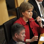 Skót függetlenség: a skót parlament engedélyezi az újabb népszavazás előkészítését