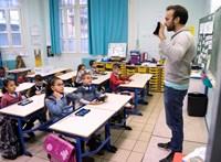 Szörnyen rossz véleménnyel vannak a magyarok az oktatásról és a tanári fizetésekről