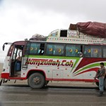 Újabb buszból rángatták ki az utasokat az afganisztáni tálibok egy autópályán