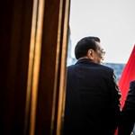 Simicska a migrációs kampányt támadja: Orbán százezer kínait akar betelepíteni