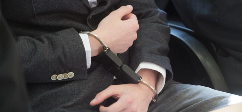 Bíróság elé álltak Kína legpancserebb bérgyilkosai