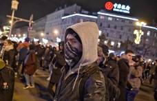 Harmadik napja tüntetnek a rabszolgatörvény ellen - percről percre