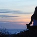 Kötelezővé tehetik a jógát az iskolákban - túl nagy a stressz?