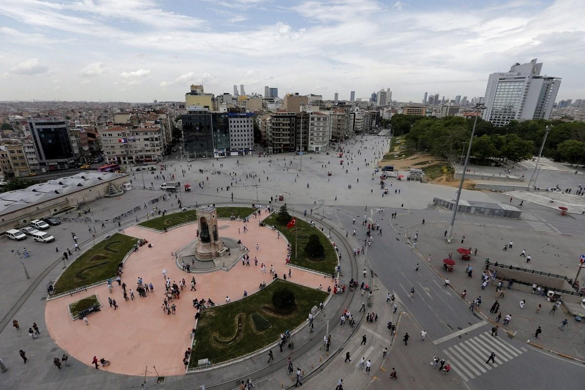 Fotó: így néz ki a Taksim tér egy évvel a törökországi tüntetések kirobbanása után