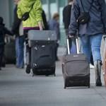 A reptér előtt húzták le a külföldieket a jegyellenőrök