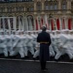 Oroszország visszakerülhet a jófiúk klubjába, ha nem kacérkodik Kínával