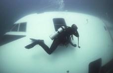 A nap videója: Így néz ki a víz alatt az elsüllyesztett Boeing 747-es
