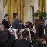 Vitázott Trumppal, kitiltották a Fehér Házból a CNN tudósítóját