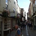 Középkori utcácska lett Nagy-Britannia legfestőibb utcája