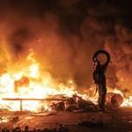 Ukrajnáért égnek a gyertyák a Bazilika előtt
