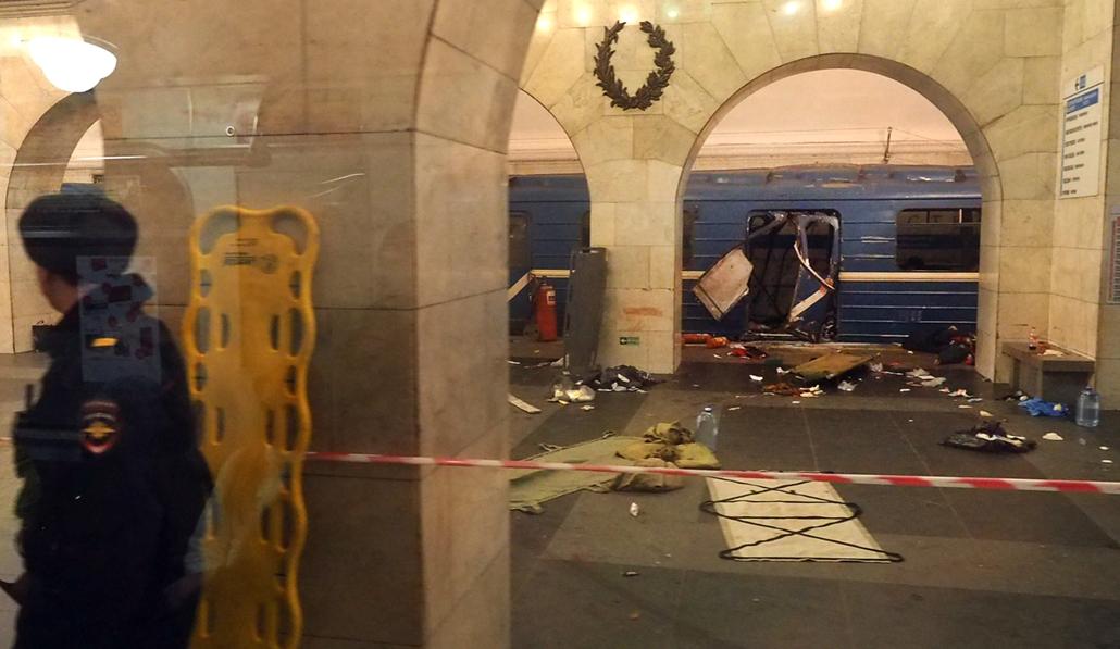best of 2017 Legalább 10-en meghaltak és sokan megsérültek amikor bomba rombat egy szentpétervári metrómegálóban áprilisban