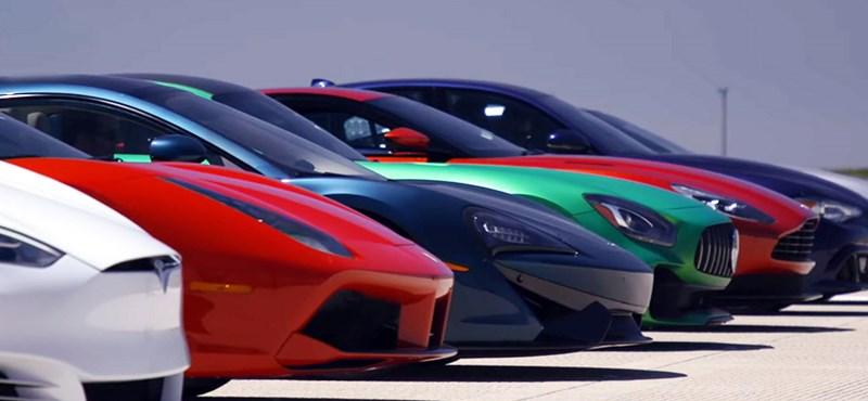 Az idei legnagyobb gyorsulási verseny a világon: egy Tesla 11 szupersportkocsi ellen