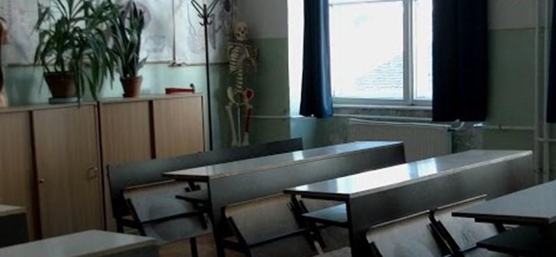 """""""A jövő nemzedékeiért csináljuk"""": így sztrájkolnak két elitgimnáziumban – videó"""