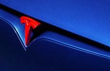 Ha Superman autót szeretne, vélhetően erre a különleges Teslára csapna le