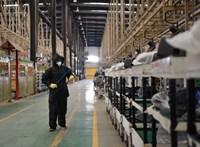 Kevesebb kínai árut vett a világ májusban