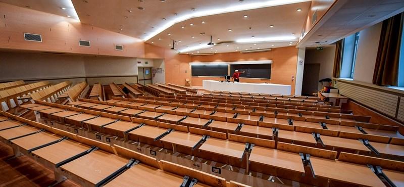 Míg Szerbiában újranyitnak az egyetemek, addig Moszkvában két hétre bezárnak a sulik