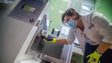 Hozzájárulásuk nélkül is ellenőrizhetik az egészségügyi dolgozókat