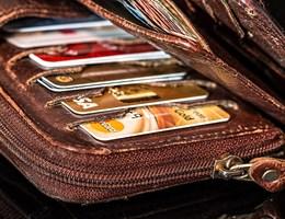 Hiány van a bankoknál hitelkártyából