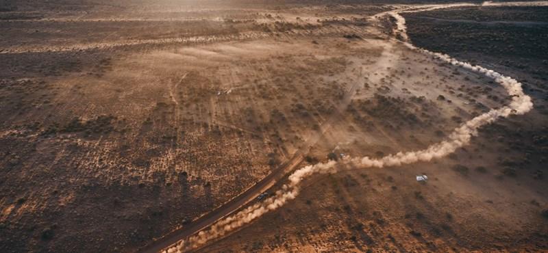 12 napig élt kekszen és pocsolyavízen egy nő az ausztrál pusztaságban