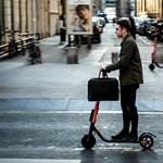 Befenyítik az elektromos rollerek használóit Franciaországban
