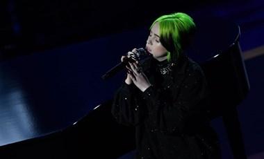 Ilyen volt Billie Eilish hátborzongató fellépése az Oscaron