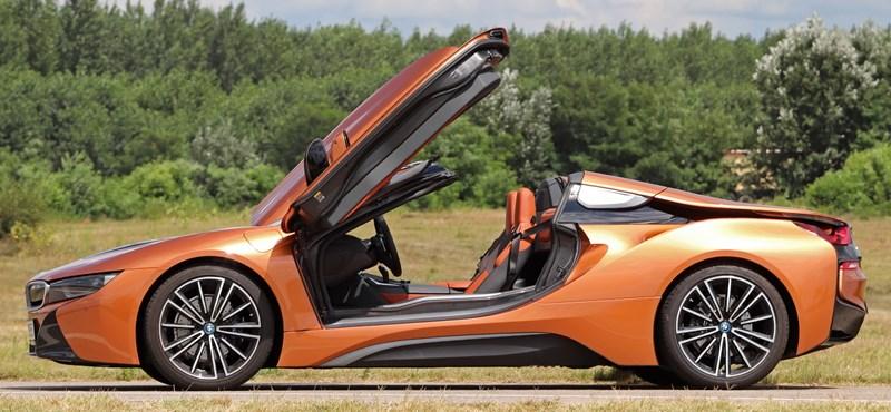 Szegény gazdagok: teszten a hangtalanul suhanó, nyitott tetős új BMW i8