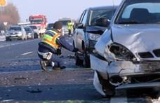 Fotók jöttek az M3-ason történt halálos baleset helyszínéről