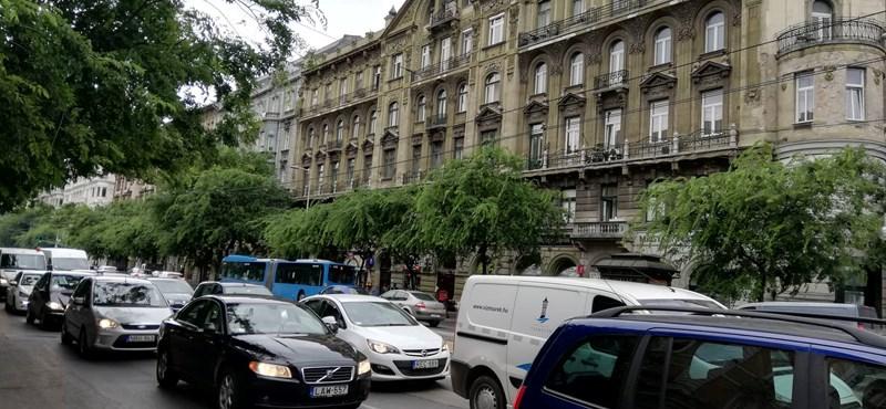 Jön a dugódíj, a dízelautókat is korlátozhatják Budapesten