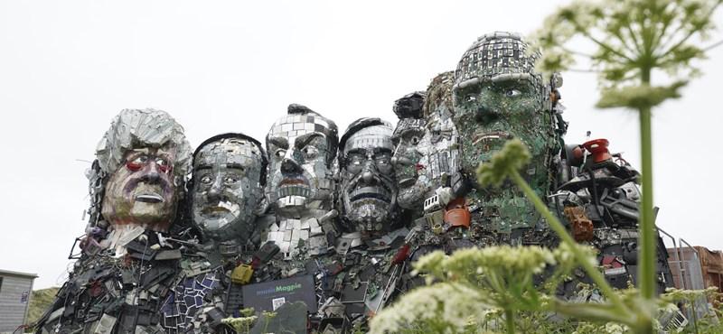 Megdöbbentő szemétszobrot kaptak a G7-ek vezetői