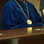 Az Ab-hoz fordult az alaptörvény átmeneti rendelkezései miatt az ombudsman