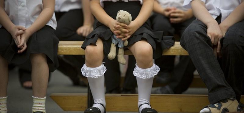 Az iskolaőrök nem viselhetnek testékszert, és nem nyilatkozhatnak a sajtónak