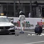 Nagy baleset után Verstappen a pole-ban Mexikóban – videó