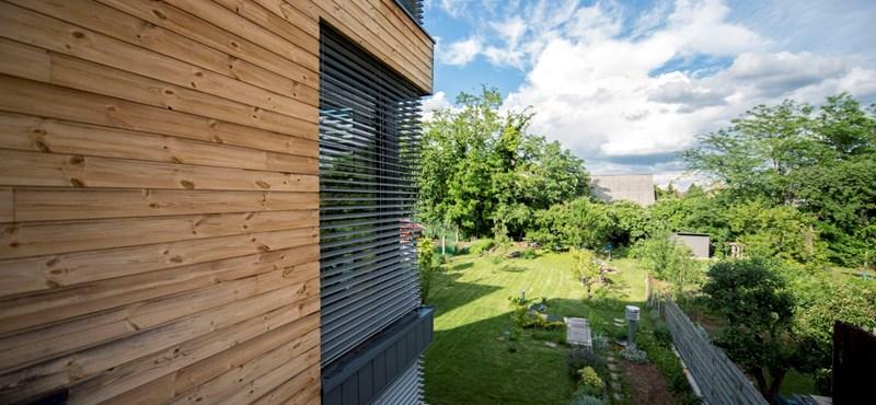 Ez az egyetlen olyan régi családi ház Magyarországon, mely több energiát termel, mint amennyit használ