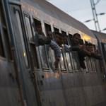 Pluszpénzt kapnak a menekültvonatokon dolgozók