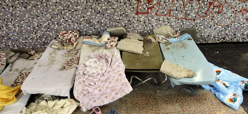 Hat éve ráomlott gyerekükre a fal, azóta is várják a segítséget