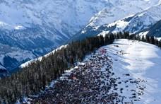 Egy brit turista miatt fújtak le egy egész síversenyt Svájcban