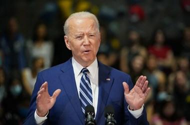 Biden válaszlépéseket ígért Oroszország ártalmas tevékenységére