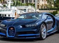 Jelentős anyagi kár: Bugatti ütközött egy Porschéval – videó